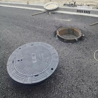 公路井盖安装
